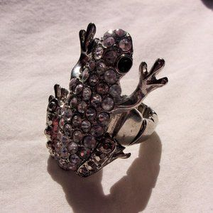 Big stretch rhinestone frog ring
